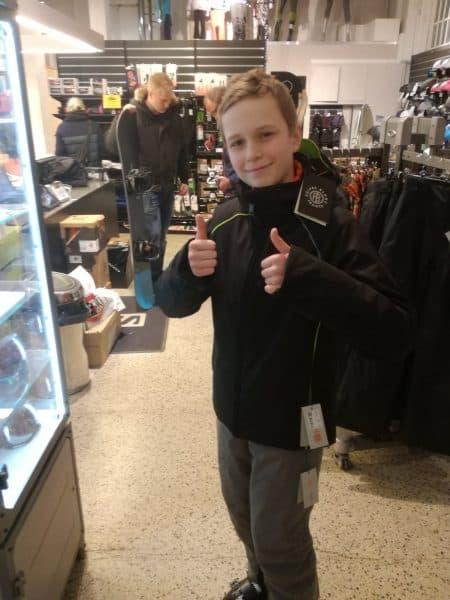 Carl-Emil ønsker at stå på ski og lære slalom