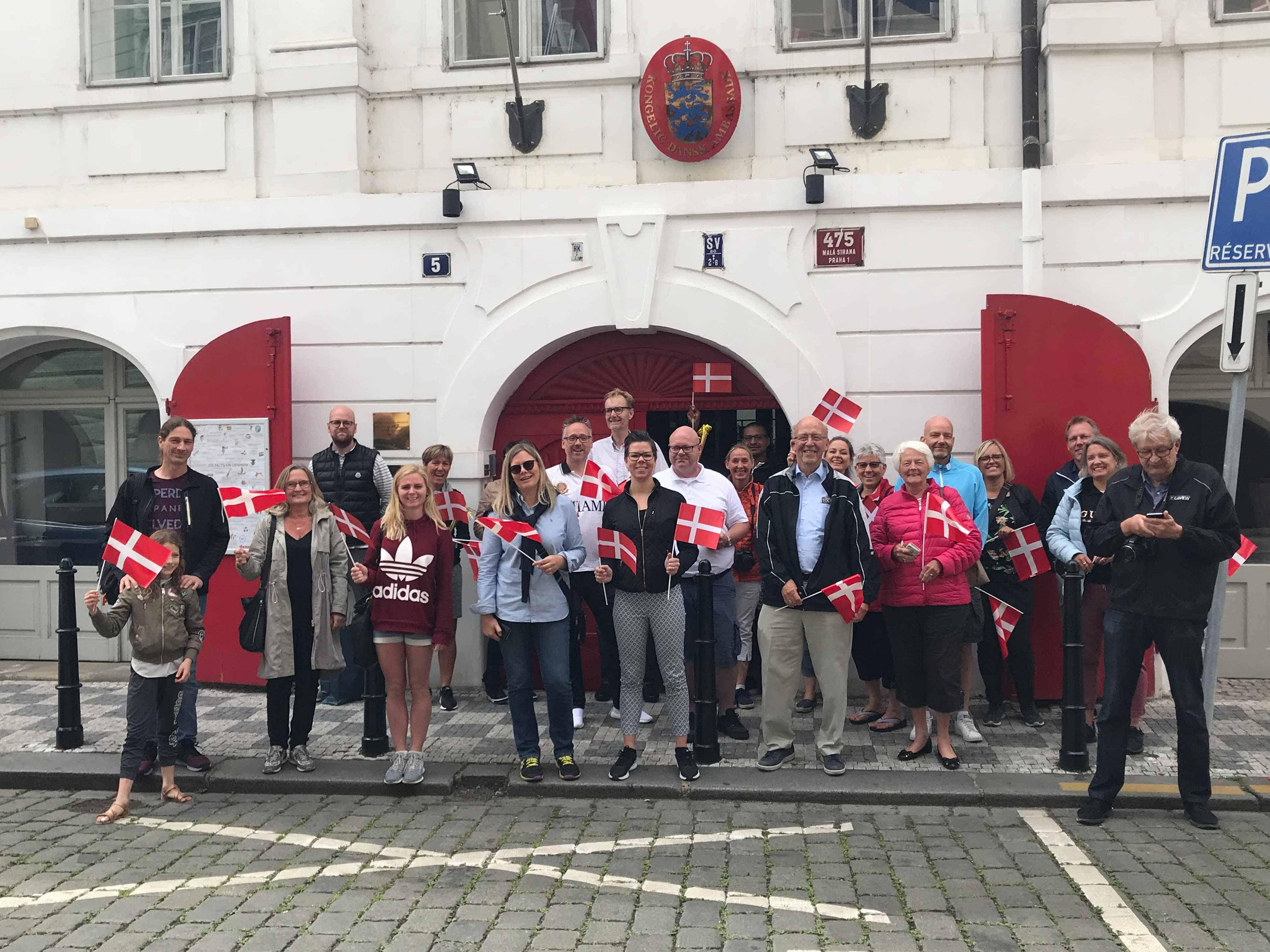 Ankomst til Den Danske Ambassade i Prag