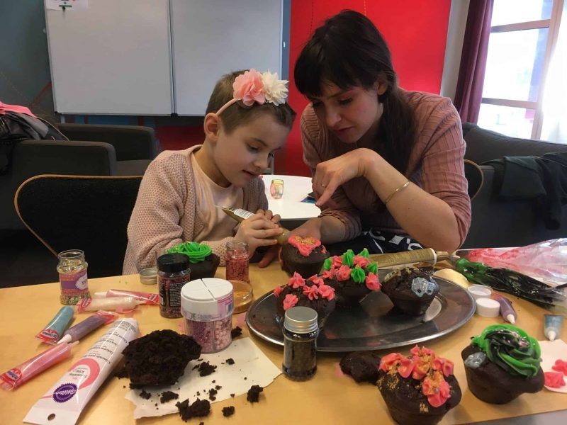Mathilde bagte smukke kager med Rosa fra Rouladegade