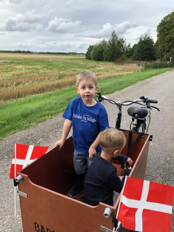 Nu kan Filip nemt komme på cykeltur med familien