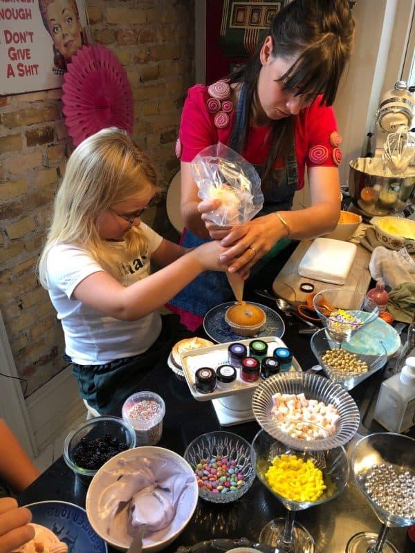 Ida lavede kager med Rosa fra Rouladegade