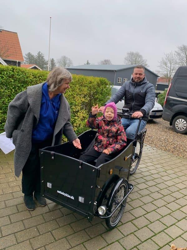 Caroline skal på cykeltur